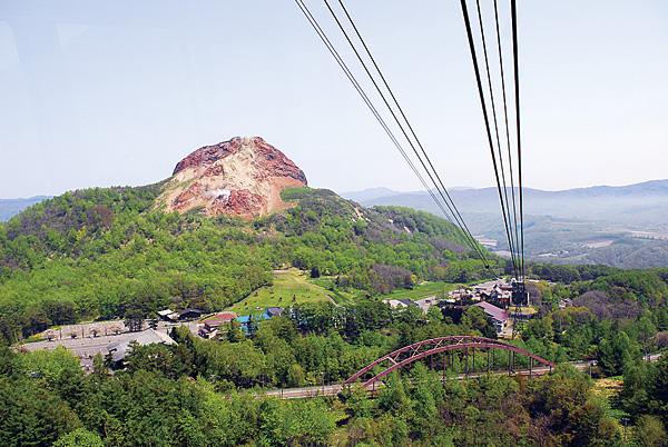 ロープウェイからは昭和新山・洞爺湖が一望。絶景!絶景!