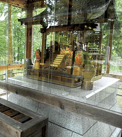 旭川天満宮。学問、芸術文化の神様として崇敬される菅原道真公を祀っています。