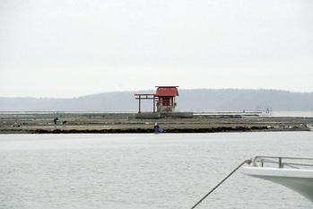 厚岸湖かき島 弁天神社